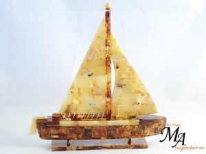 SAILBOAT - 100% of Baltic Amber - REMARKABLE - Gifts for Companies !